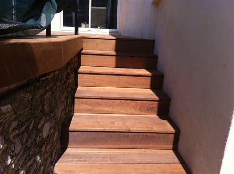 escalier en bois exotique pour vos exterieurs parquet et terrasse en bois aix en provence les
