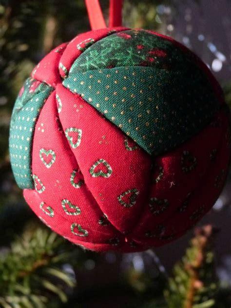 Boules Et Couronnes De Noël En Tissu