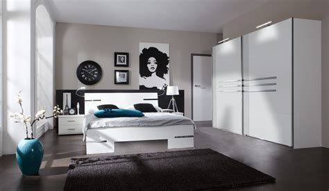 chambre a coucher blanche moderne