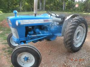 Looking At A Ford 4000 - Mytractorforum Com