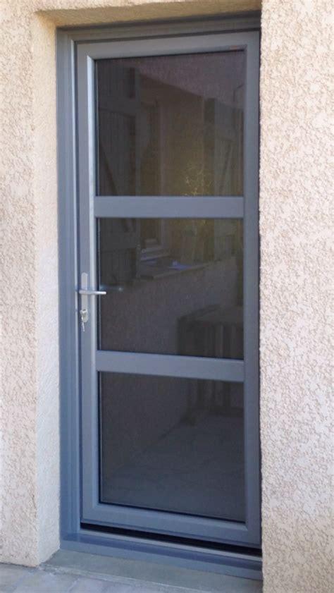 installateur de porte d entr 233 e pvc aluminium isolante s 233 curisante gr 226 ce au vitrage retardataire