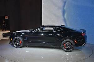 Chevrolet's Track-Ready 2017 Camaro 1LE Shows Up In