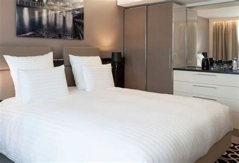 hotel ac porte maillot by marriott in