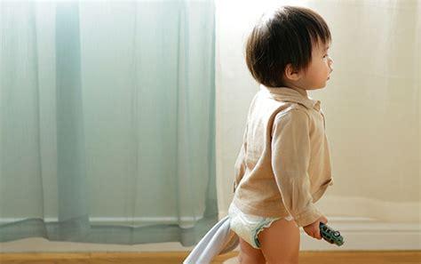 a quel age un bebe tient assis a quel age un enfant tient assis 28 images financi 232 rement quel est le bon 226 ge pour
