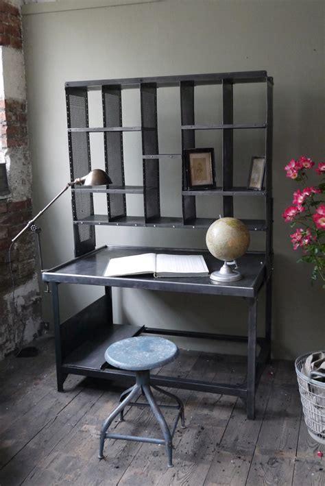 metier de bureau meuble metier grand bureau tri postal industriel atelier loft