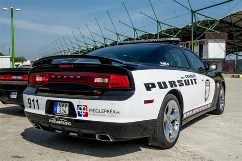 Polizei Stoppt Dodge Challenger by Dodge Charger In Blau In Berlin Am 12 08 2016