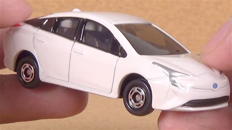 tomica toyota prius 2017 tomica 50 toyota prius diecast car toy unboxing youtube
