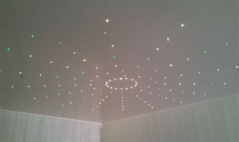 ciel étoilé chambre etoiles fluorescentes plafond chambre maison design