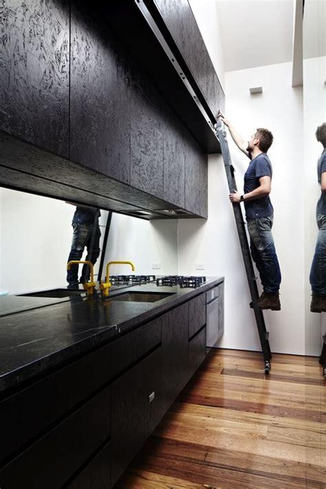 black OSB kitchen fronts ==> Cuisine / sympa en noir aussi