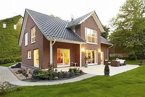 Was Ist Ein Erker : einfamilienhaus individuell geplant modell grunau ein fertighaus von gussek haus ~ Frokenaadalensverden.com Haus und Dekorationen