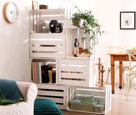 libreria con cassette di legno libreria con cassette di legno riciclo creativo