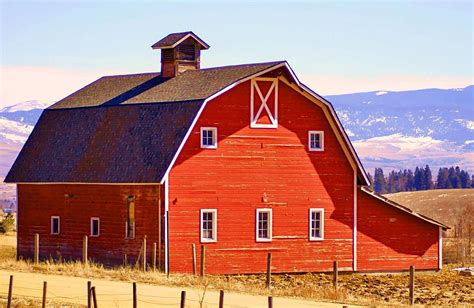 Montana Red Barn Photograph By William Kelvie