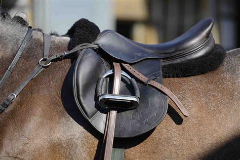 jumping saddle horse horses rider riders horseandrideruk