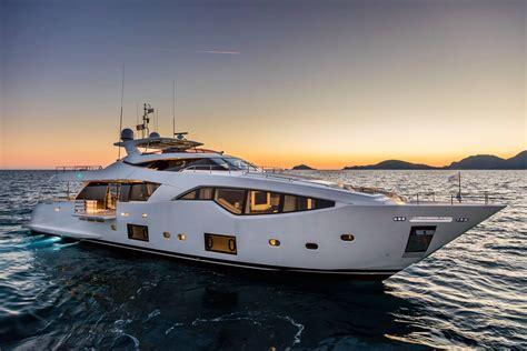 Ferretti Custom Line 108 - Ita Yachts Canada - Ita Yachts ...