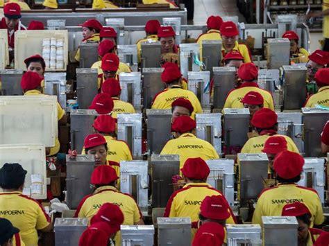 Read more gaji operator produksi di hm sampoerna jamblang : Gaji Operator Produksi Di Hm Sampoerna Jamblang / Standart Gaji Pabrik Rokok Sampurna Surabaya ...