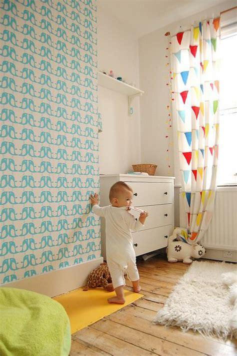 comment décorer chambre bébé fille décorer un pan de mur avec nos idées en 42 photos