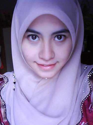 gadis jilbab cantik mata indah jilbab lovers
