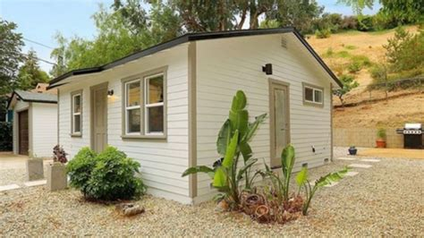 sq ft tiny cottage  los angeles beautiful small