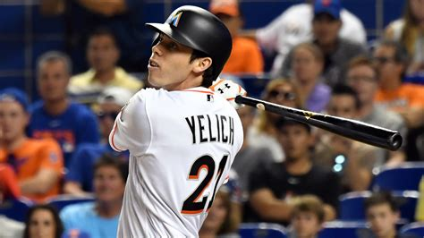 Marlins' Christian Yelich Makes Amazing Catch, Crashes Face-first Into Center-field Wall