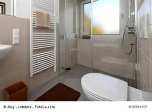 kleines badezimmer mit dusche kleine bäder schön sparsam gestalten traub gmbh