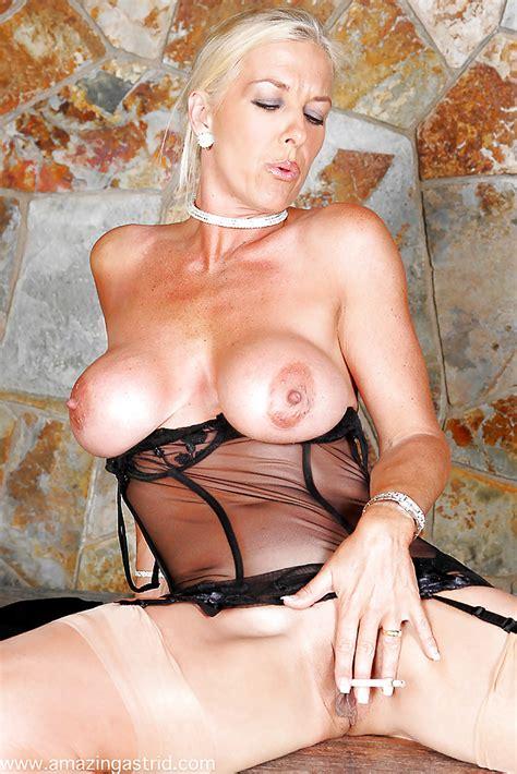 Buxom Older British Blonde Masturbating In Lingerie While