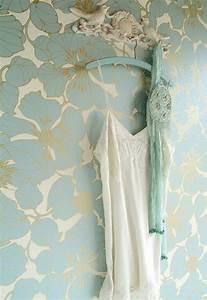 papier peint original en 50 idees magnifiques With chambre bébé design avec robe fleurie hiver