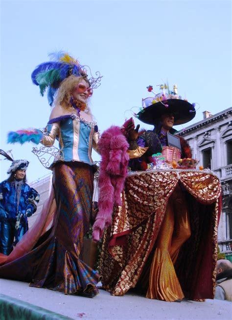 nuove foto delle maschere carnevale  venezia  la