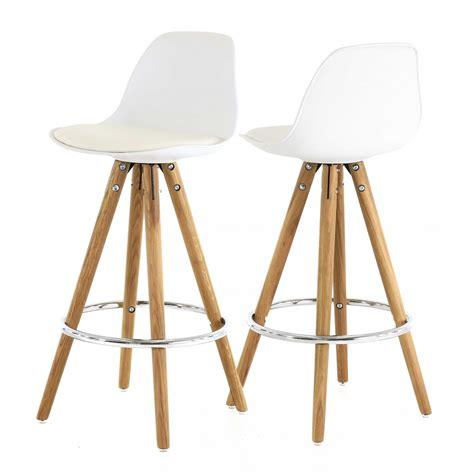 chaise haute bois blanc chaise de bar bois blanc cuisine en image
