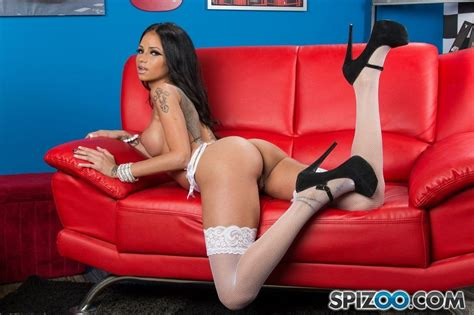 Sexy Canadian Hottie Amy Anderssen Pichunter