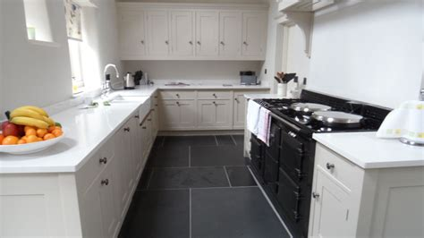 Kitchen Floor Ideas With Black Cabinets by Signal Kitchen Flooring Idea With Grey Color And White