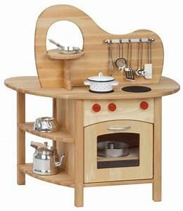 Les jouets en bois idees creatives d39amusement for Jouet cuisine en bois