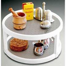 plateau tournant pour placard cuisine plateau tournant un rangement gain de place pour la cuisine
