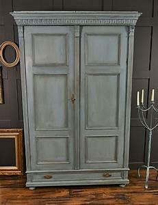 1001 idees pour relooker une armoire ancienne With comment patiner un meuble en gris