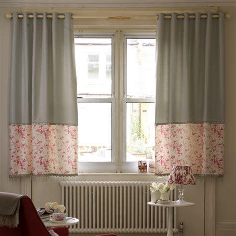 Bay Window Eyelet Curtain Pole by 7 Beautiful Ways To Dress Windows