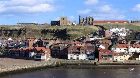 Cottages In Whitby With Parking by 13 Whitby Cottages With Parking A Selection Of