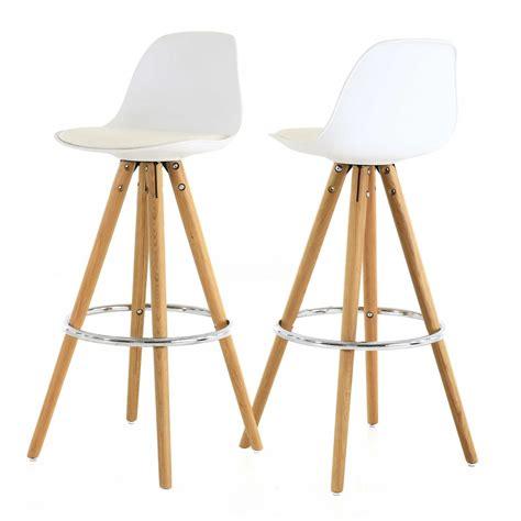 chaise de bar blanche chaise haute de bar blanche trépied en bois style scandinave zago store