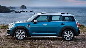 Mini Countryman One : new 2017 mini countryman revealed everything you need to know motoring research ~ Medecine-chirurgie-esthetiques.com Avis de Voitures