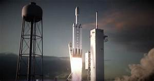 SpaceX Falcon Heavy Rocket Model - Pics about space