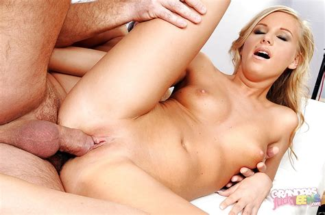 Blonde Teen Barbie White Gets Her Pussy Licked And Fucked