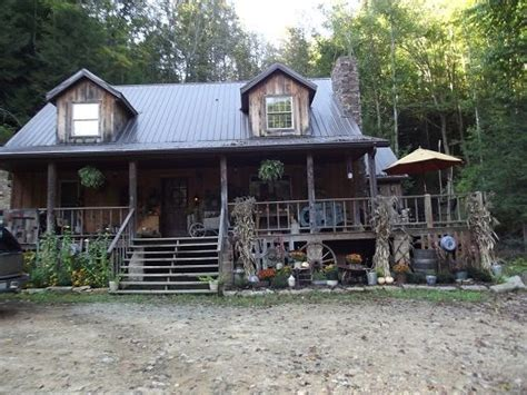 Cabin, Primitives And Cabin Fever Antique Shows Uk 2017 Cast Iron Scalding Pot Doorbell Chimes Wired Relics Mall Springfield Missouri Hours Case Tractor Parts Cars Maryville Tn Tennis Racket Collectors Clock Images