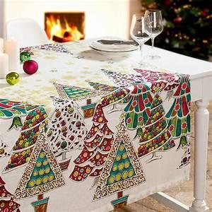 Nappe De Noel : nappes art textile toscan des sapins de no l color s ornent des nappes en lin raffin es ~ Teatrodelosmanantiales.com Idées de Décoration