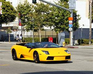 File:Lamborghini yellow car.jpg - Wikimedia Commons