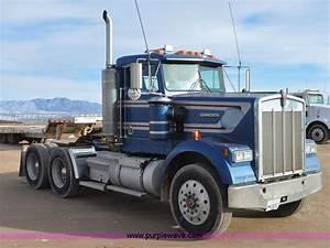 1990 Kenworth W900 Semi Truck