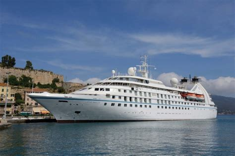 Small Boat Cruises Caribbean by Six Of The Best Small Cruise Ships