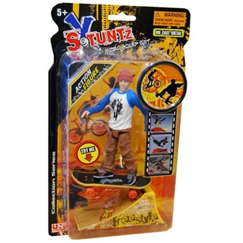stuntz x micro board set freestyle action figure yellow