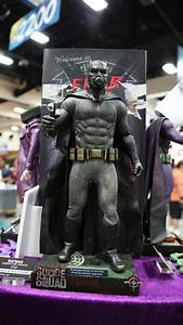 Batman Suicid Squad : suicide squad batman joker costume revealed in toy images collider ~ Medecine-chirurgie-esthetiques.com Avis de Voitures