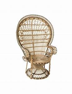 Siege En Rotin : fauteuil emmanuelle en rotin motif pomare fauteuil rotin kok maison ~ Teatrodelosmanantiales.com Idées de Décoration