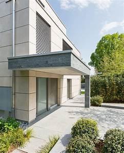 Fassade Mit Lärchenholz Verkleiden : fassade mit ordach und st tzpfeiler mit naturstein ~ Lizthompson.info Haus und Dekorationen