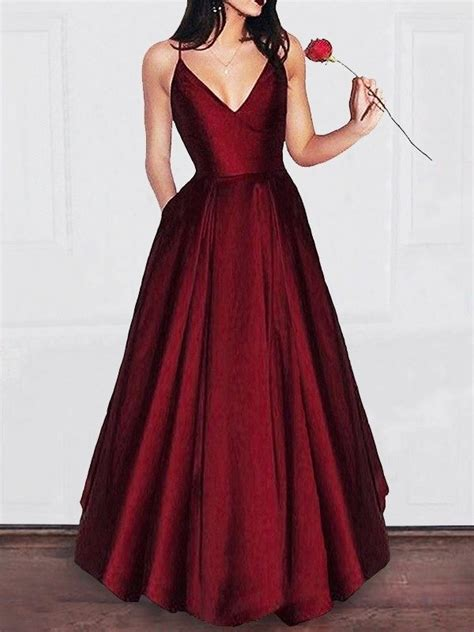 stunning prom dresses      prom queen