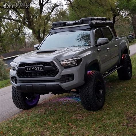 toyota lifted silver toyota tacoma lifted cool toyota tacoma lifted